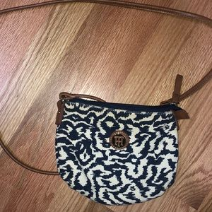Crossbody Tommy Hilfiger purse